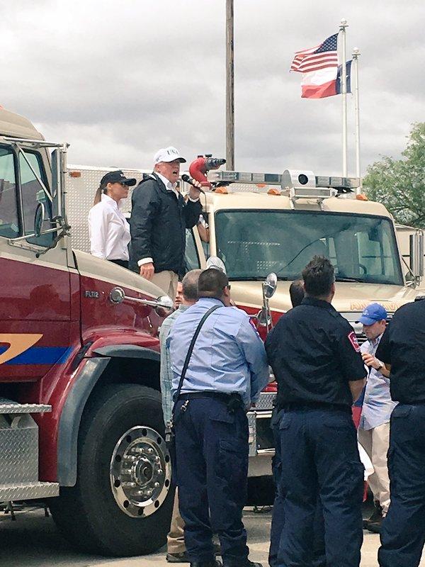 Trump no se reunió con ningún damnificado de Harvey en Texas