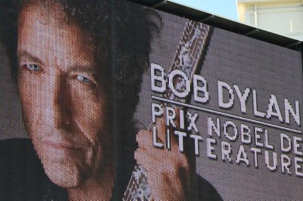 Anuncia Dylan que no irá a recibir el Nobel de Literatura