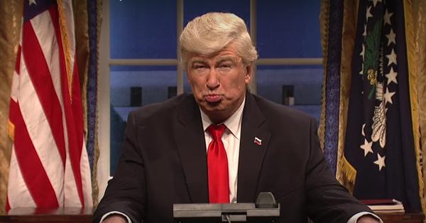 """""""Trump es un depredador sexual"""", dice Alec Baldwin"""