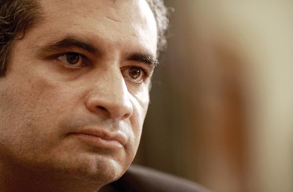 Enrique Ochoa Reza: No habrá despidos en la CFE