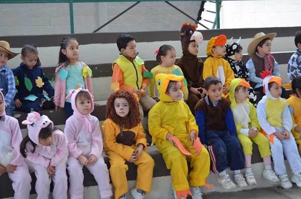 Celebra preescolar de la ESFER el Festival de la Cosecha