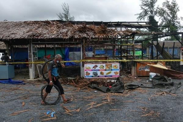 Cuatro muertos en cadena de explosiones en Tailandia