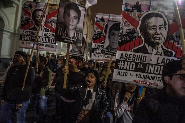 Perú evalúa más de 900 indultos, bajo rumor de perdón a Fujimori