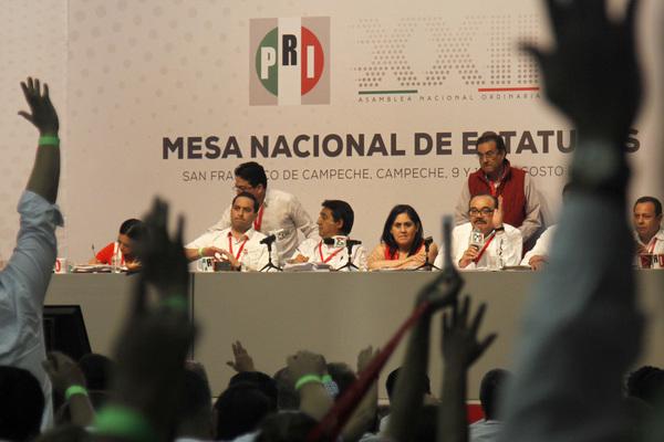 """El PRI se abre a candidatos """"simpatizantes"""" rumbo a 2018"""