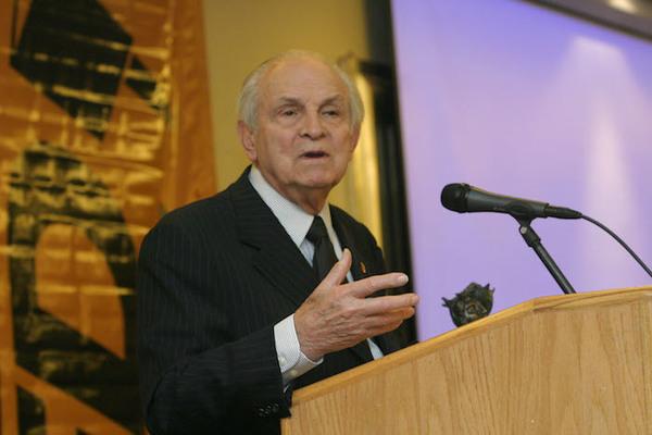 Fallece Lorenzo Servitje, empresario fundador del Grupo Bimbo