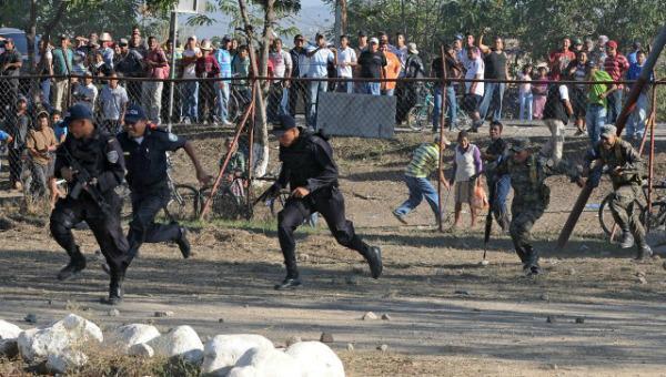 Mueren 25 presos en riña en cárcel de Brasil