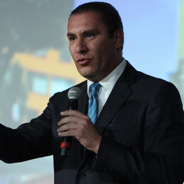 Pacta Moreno Valle inversión de más de mil mdd con Volkswagen