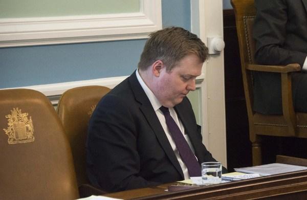 """Renuncia primer ministro de Islandia implicado en """"Panama Papers"""""""