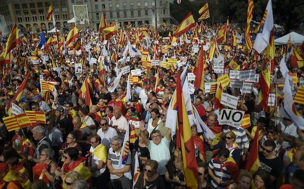 """Standard and Poors advierte de riesgo de """"recesión"""" en Cataluña"""