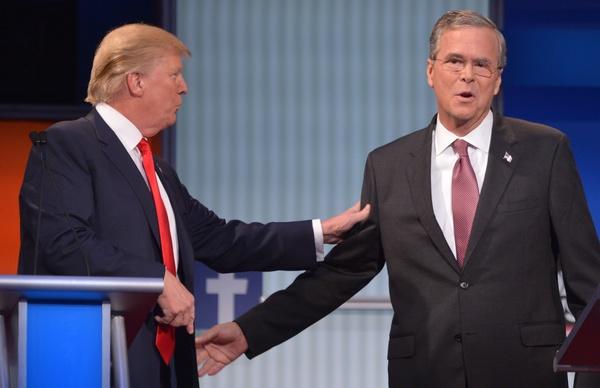 Trump pide a Jeb Bush que deje de hablar español en EE.UU