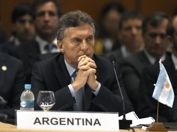 Investigan a Macri por dar amnistía fiscal a su padre