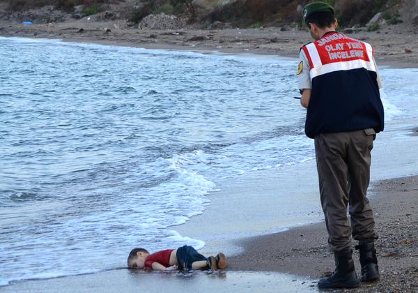 """Imágenes de niños sirios, """"llamada de atención"""" para UE"""