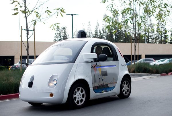 Google acusa a Uber de robo de tecnología de autos sin conductor