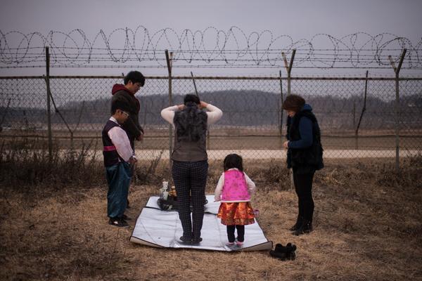 Ingresos de Corea del Norte crecen, pero detrás de los de Corea del Sur