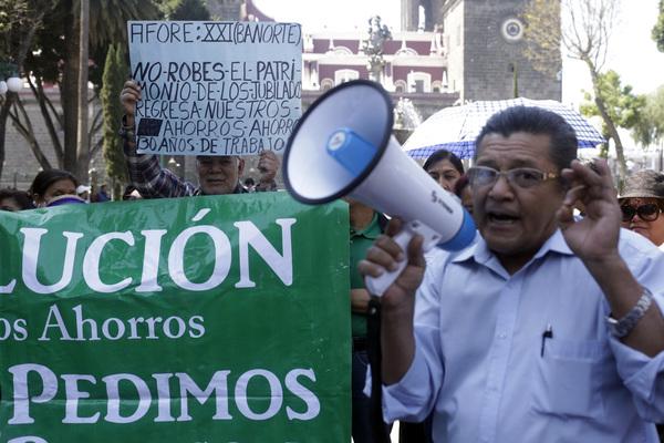 Persisten protestas de jubilados del IMSS