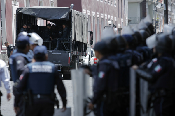 Continúa baja de policías por pruebas de control