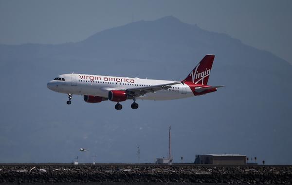 Regulaciones encarecen viajes aéreos en Latinoamérica