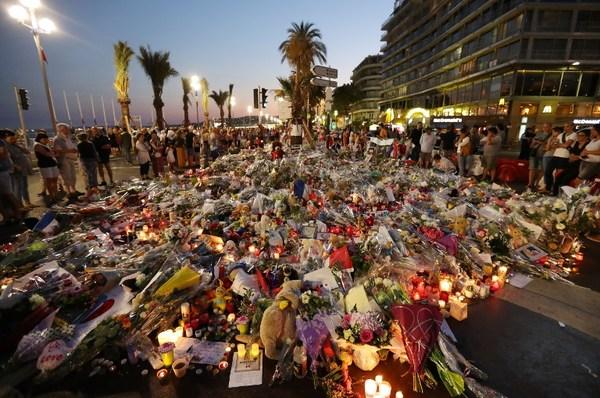 Terrorismo amenaza al vital sector del turismo en Francia