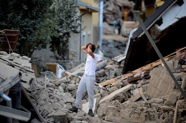 Van 250 muertos y la tierra sigue temblando en Italia