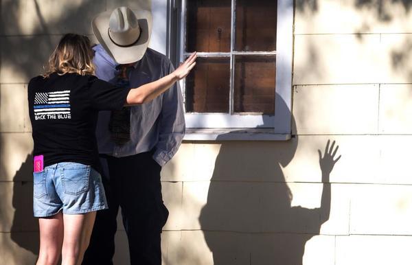 Víctimas en Texas incluyen a mujer embarazada y niños