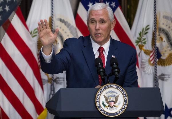 Mike Pence contrata abogado de Watergate por trama rusa