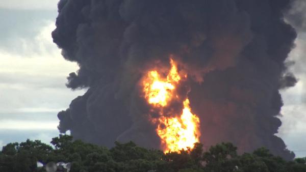 Confirma Pemex un muerto en incendio de Salina Cruz
