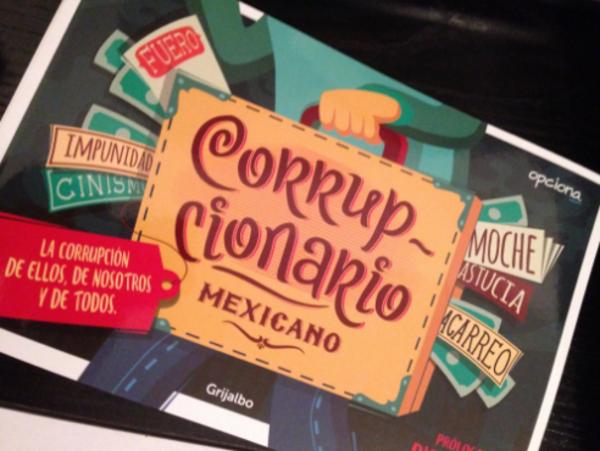 """Diego Luna presenta el libro """"Corrupcionario mexicano"""""""