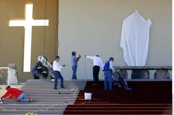 Participan hidalguenses en la logística de visita papal