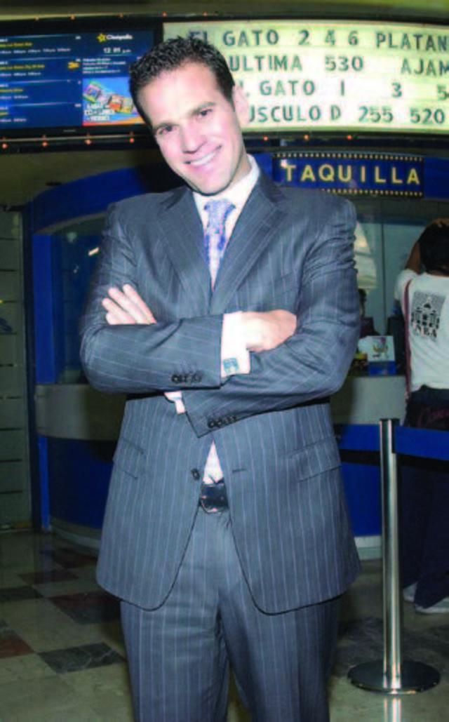 ENTREVISTA  Carlos Loret de Mola