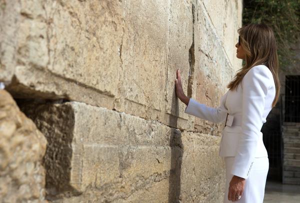 Melania desaira a Trump en Israel