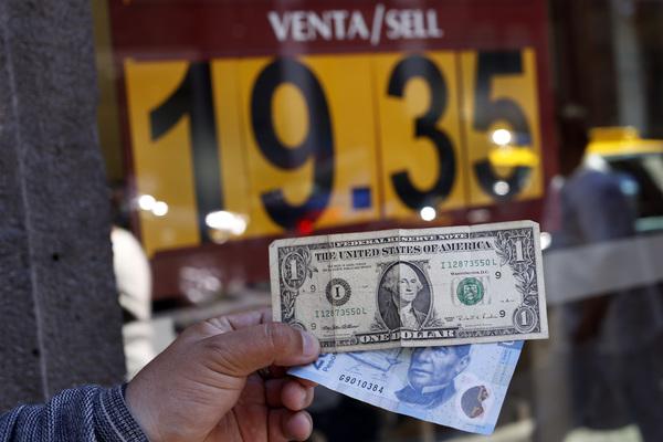 Se cotiza dólar en $19.70 a la venta en casas de cambio
