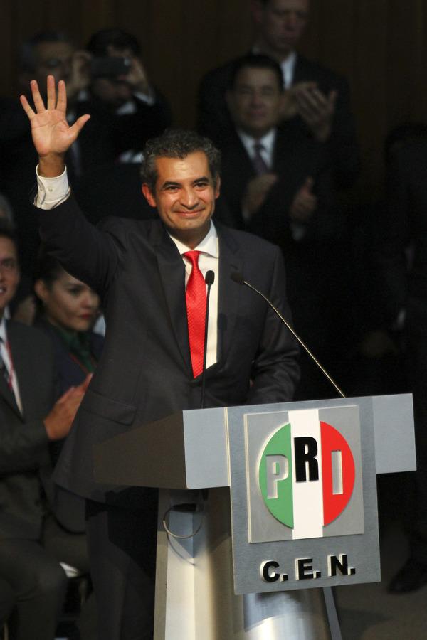 Ochoa Reza asegura que va tras los gobernantes corruptos del PRI