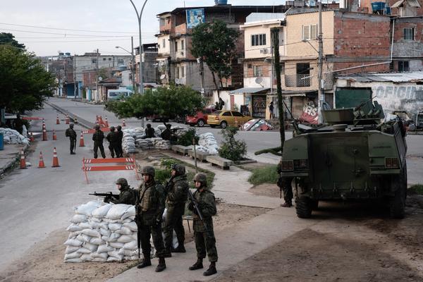 Tiroteo en favela de Rio de Janeiro deja 4 muertos y 5 heridos