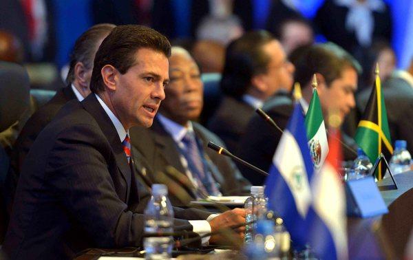 Peña Nieto parte a Europa tras elecciones