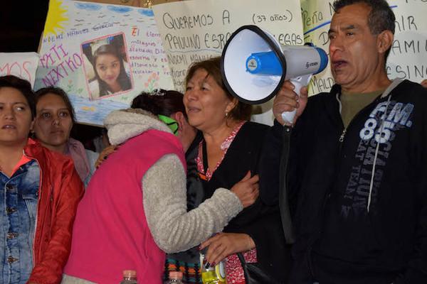 Familiares de víctimas de sismo exigen informes