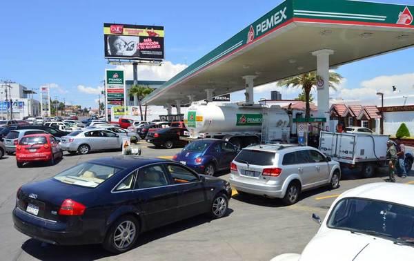 Venta de gasolina se triplica por compras de pánico