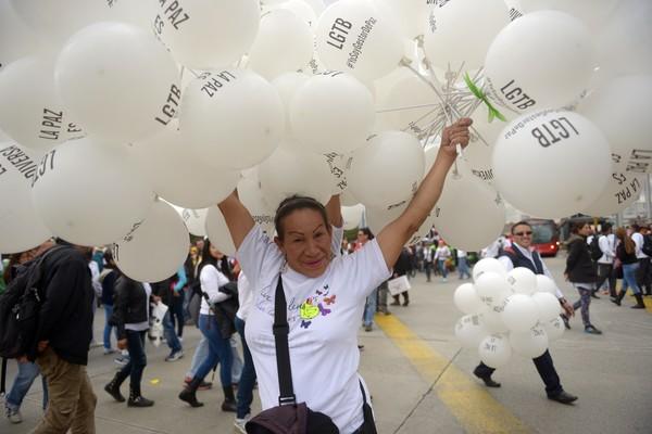 Candidata a gobernatura de Colima expresa apoyo a comunidad LGTB