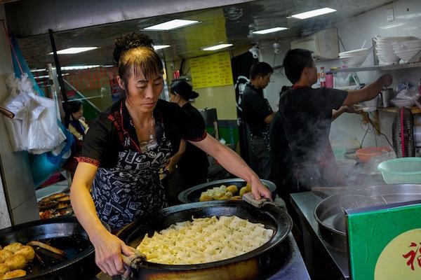 """Suspenden en China un """"curso de moral para mujeres"""""""