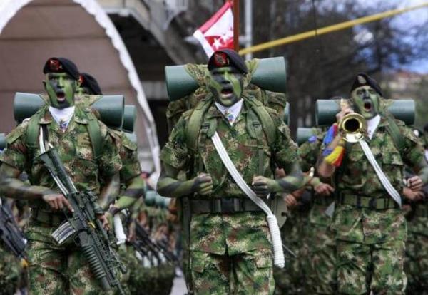 """""""Frenar"""" ascenso de militares por ejecuciones en Colombia: HRW"""