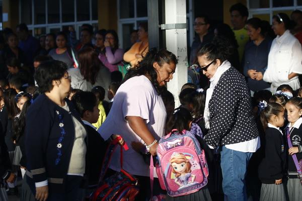 Mochilas pesadas lesionan a alumnos