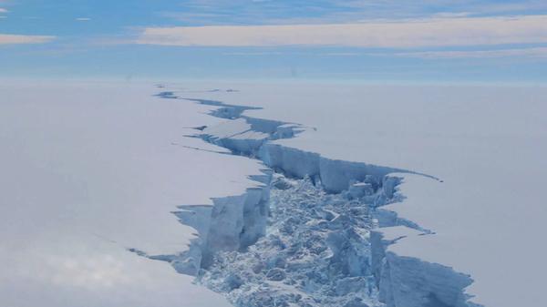 Descubren 91 volcanes debajo de la Antártida