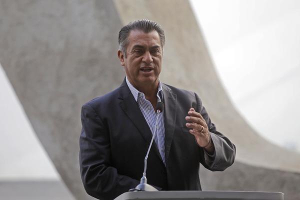 Se destapan candidatos independientes en México a días de que venza el plazo