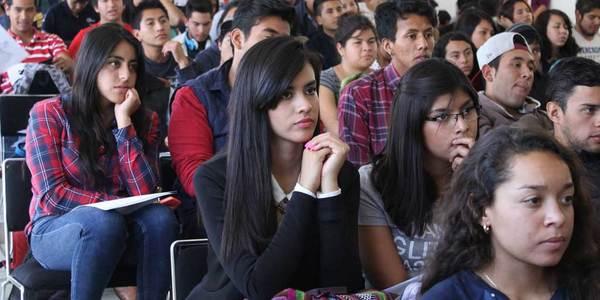 Ignora UPMH inconformidad de alumnos por idioma