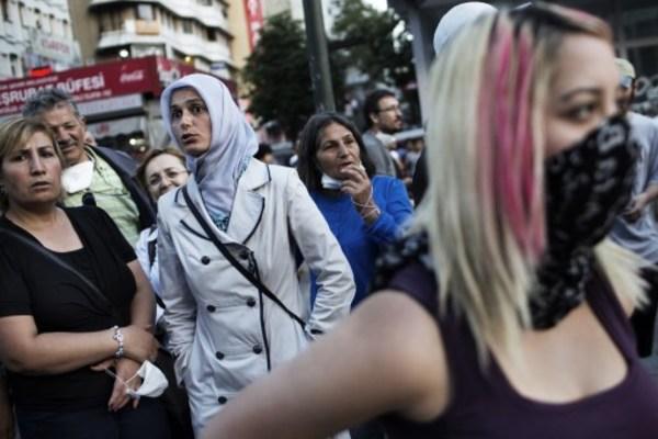 Peluquera enfrenta cárcel, en Noruega, por discriminar a una mujer con hiyab