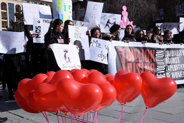 La violencia contra las mujeres eclipsa San Valentín en el mundo