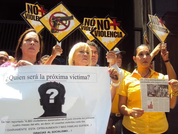 Ocurren 2 asesinatos cada hora en México durante 2015: procuradurías