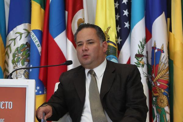 Oposición mexicana busca revocar remoción de Santiago Nieto