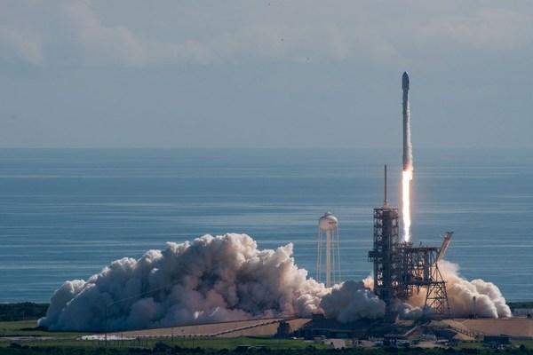 SpaceX lanza satélite de Corea del Sur