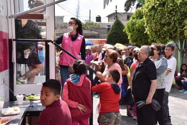 Distribuye CDMX apoyo alimentario a afectados por el 19S