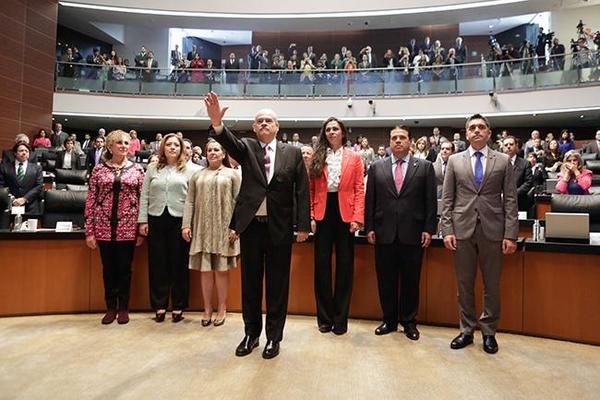 Ratifica Senado a Miguel Basañez como embajador en EE.UU